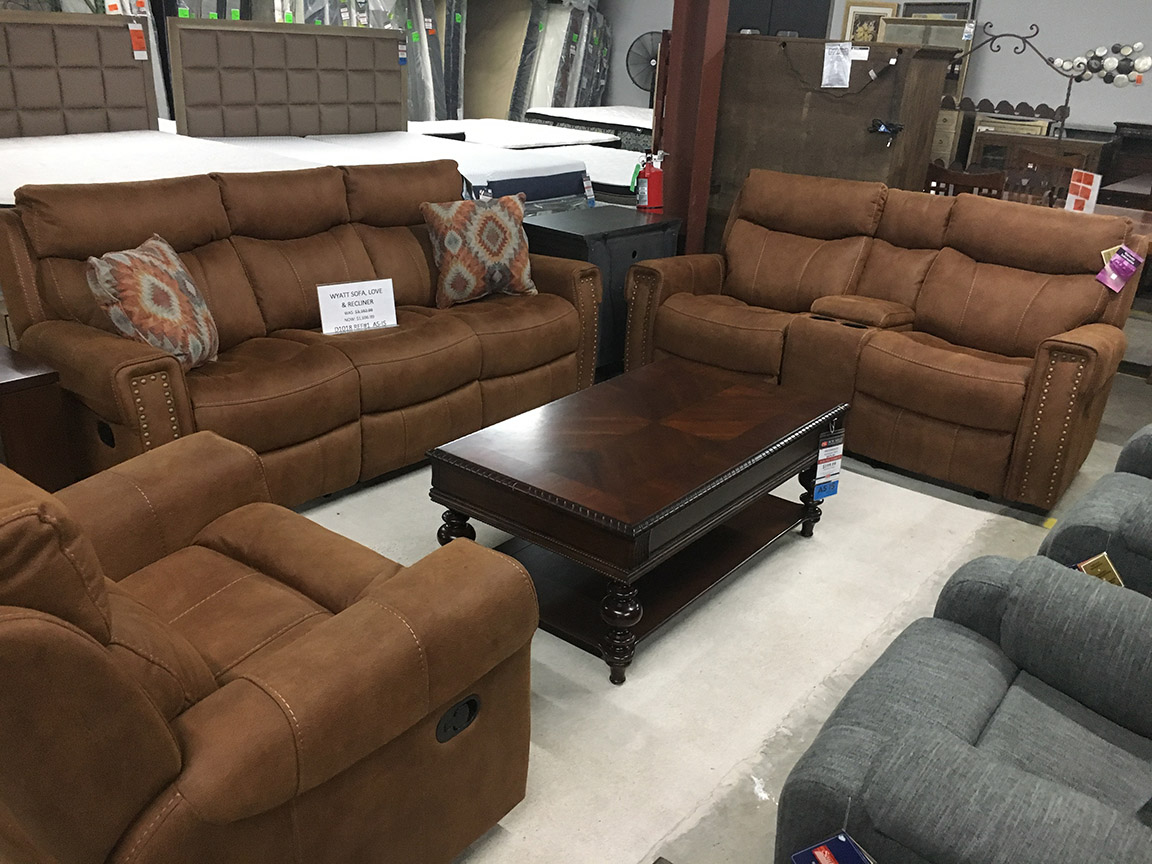 Flexsteel Wyatt Sofa, Loveseat, Recliner Livingroom Group U2013 Regular Price  $3999 Reduced To $1696