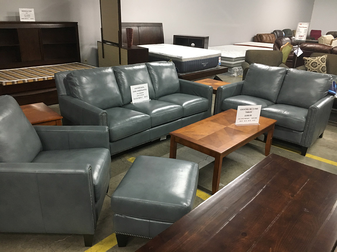 Lovely Flexsteel Moonlight Leather Sofa, Loveseat, Arm Chair U0026 Ottoman U2013 Regular  Price $3999 Reduced To $1298